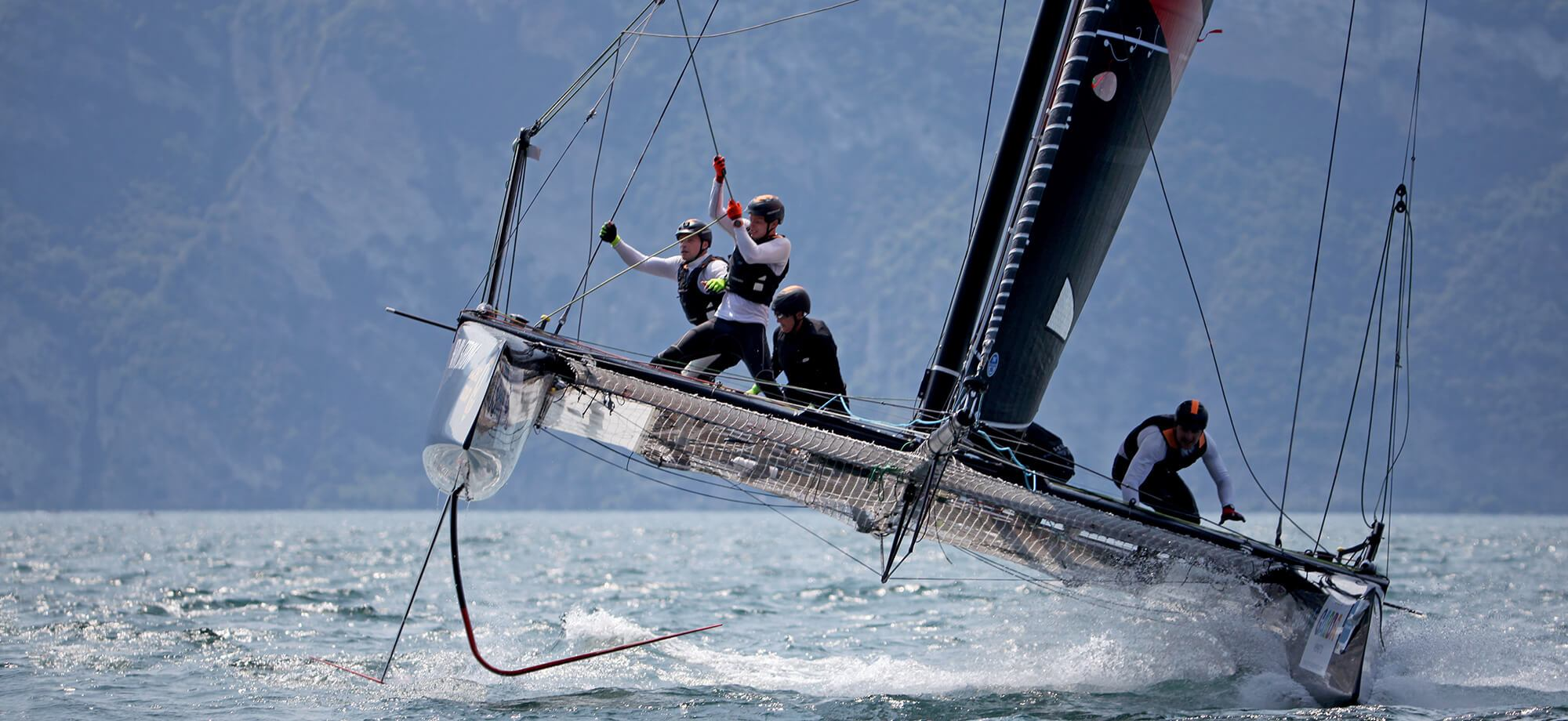 GC32 Action on lake Traunsee